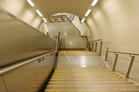 Iluminaci n led para escaleras ideas y consejos bering - Iluminacion de escaleras ...